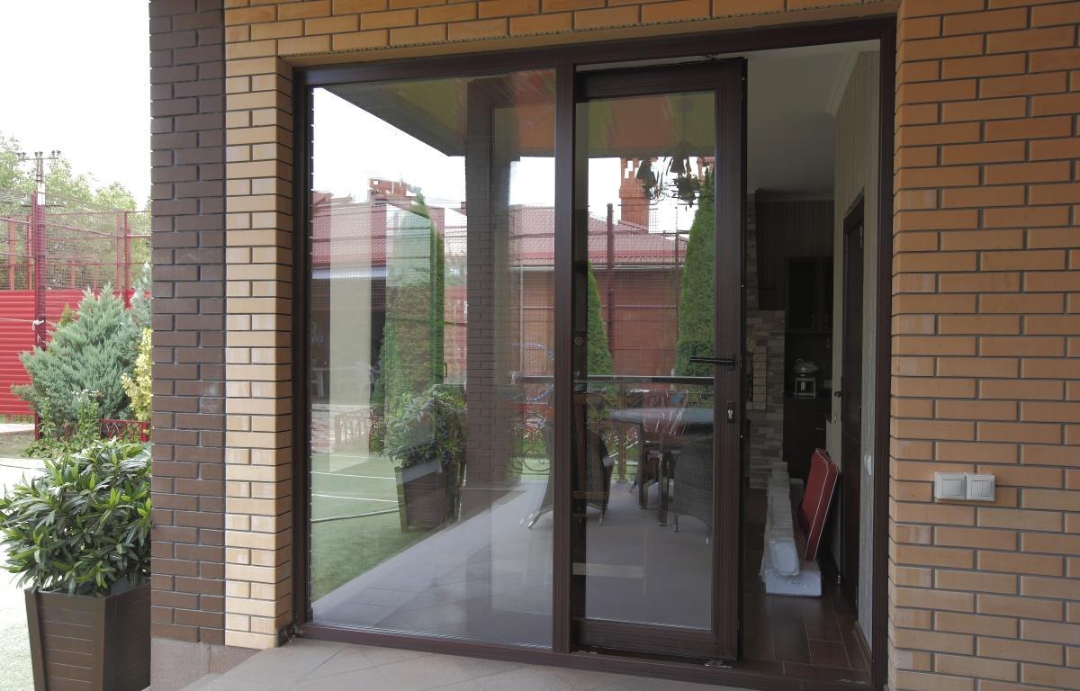 Раздвижные пластиковые двери и окна по доступной цене. (3)