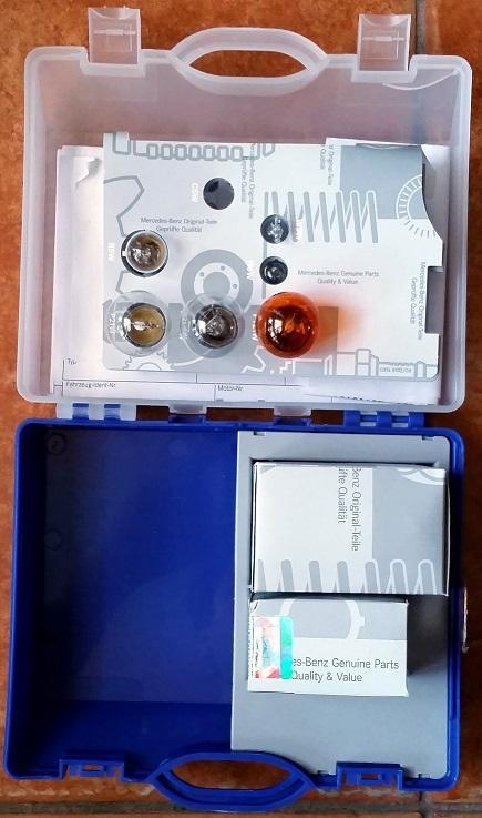 Продам к Мерседесу термостат, цилиндр сцепления, тормозные колодки (5)