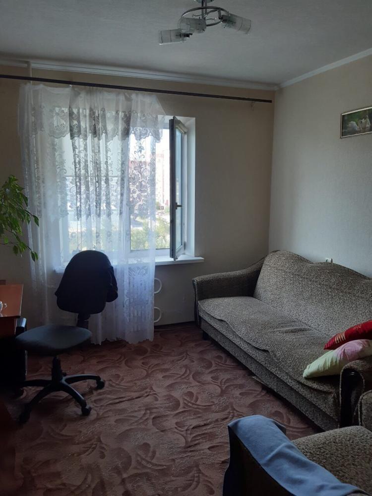 Продам трёхкомнатную квартиру на Песках. (4)