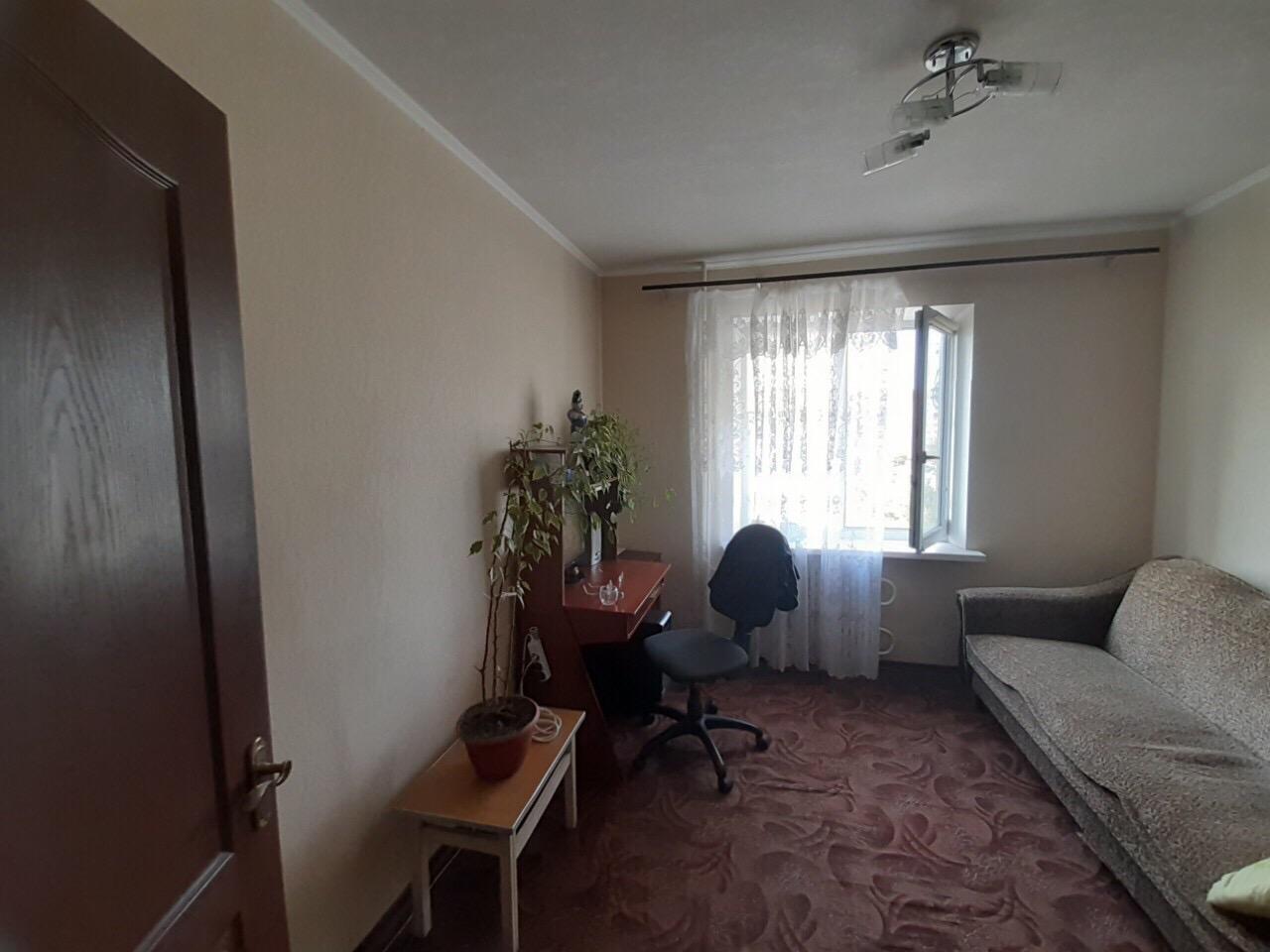 Продам трёхкомнатную квартиру на Песках. (2)