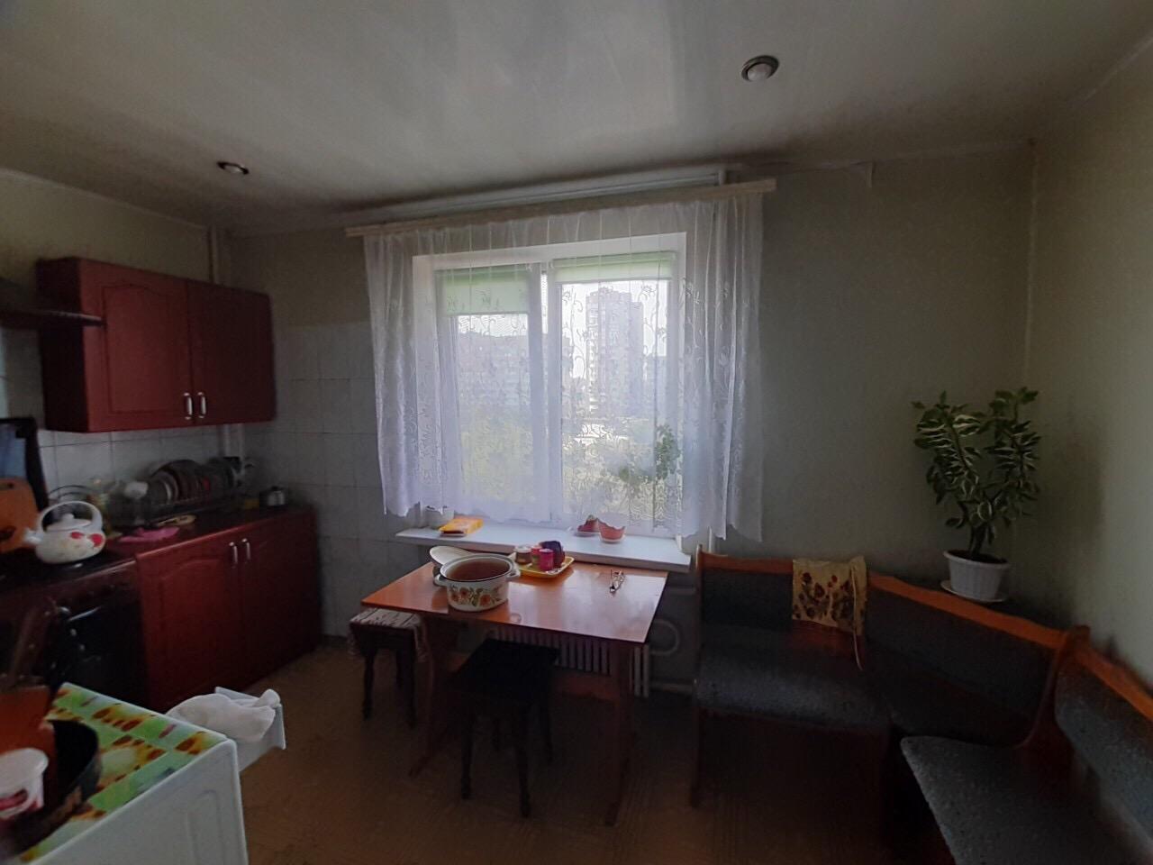 Продам трёхкомнатную квартиру на Песках. (3)
