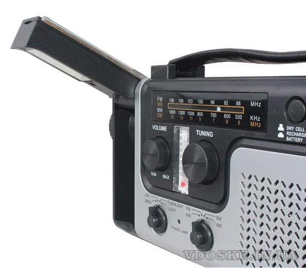 Радиоприемник на солнечных батареях с фонарем и сиреной (4)