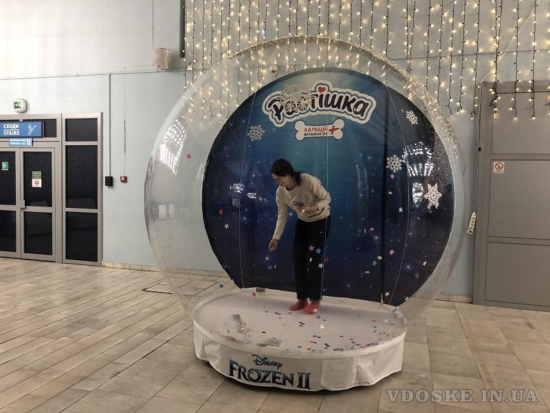 Надувные снежные шары Inflatable Snow Globe (3)