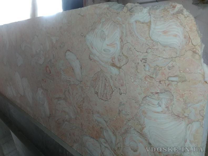 Природные мрамор и оникс обладают большим количеством вариаций с учетом цвета ,фактуры и текстуры (4)