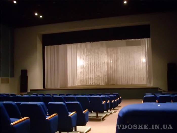 Оформление интерьера театров, кинозалов, актовых залов. (5)