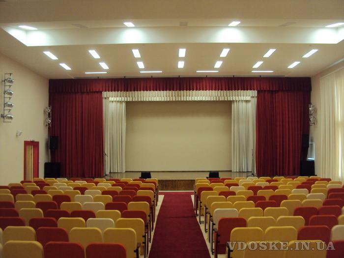 Оформление интерьера театров, кинозалов, актовых залов. (4)