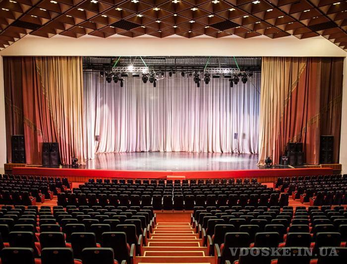 Одежда сцены для театров и актовых залов (3)