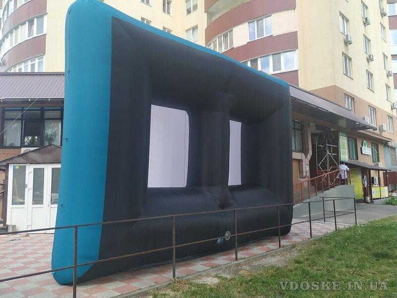 Надувной экран для уличного кинотеатра (5)