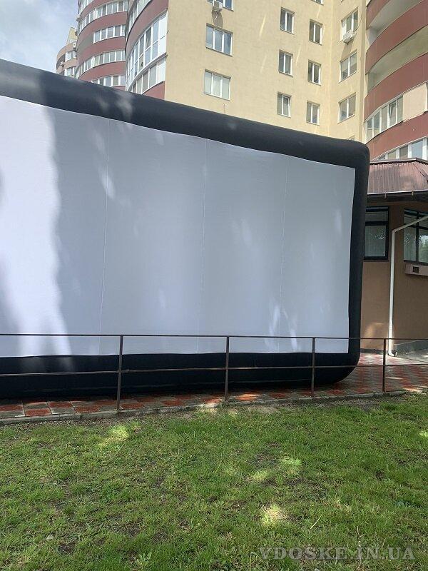 Надувной экран для уличного кинотеатра (3)