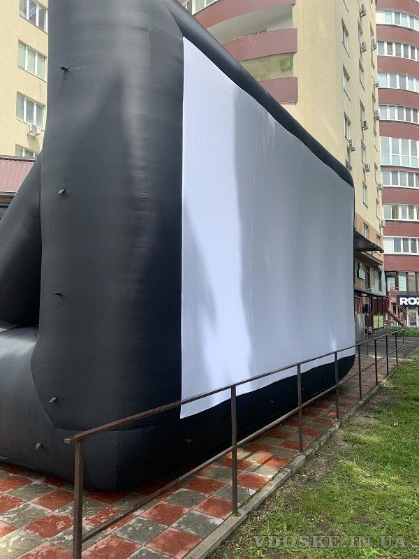 Надувной экран для уличного кинотеатра (4)