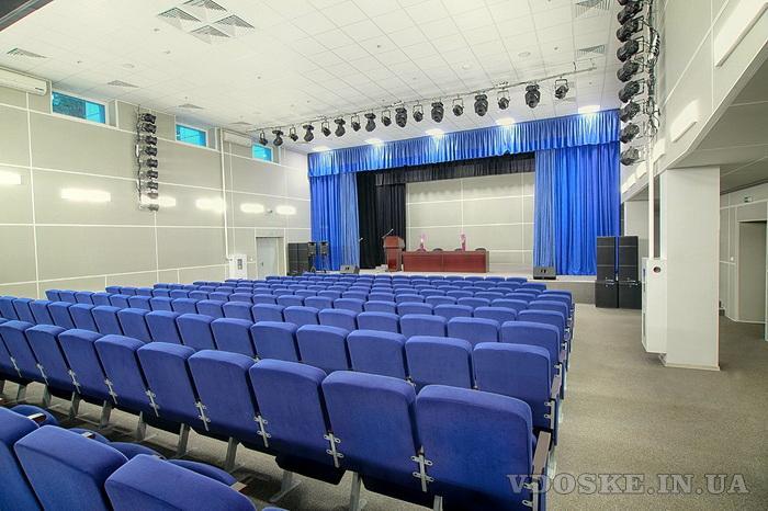 Оборудование театральное для зрительных залов (3)