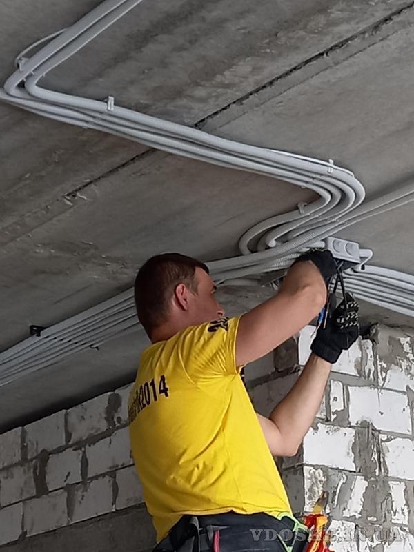 Услуги электрика Харьков. Штробы под электрику без пыли с пылесосом (5)