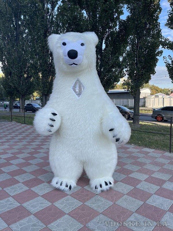 Начните продвижение с надувным костюмом белого медведя (6)