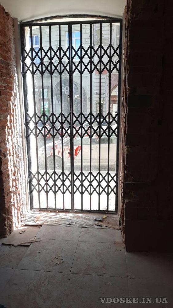 Решетки раздвижные гармошка для дверей,окон,витрин Одесса (2)