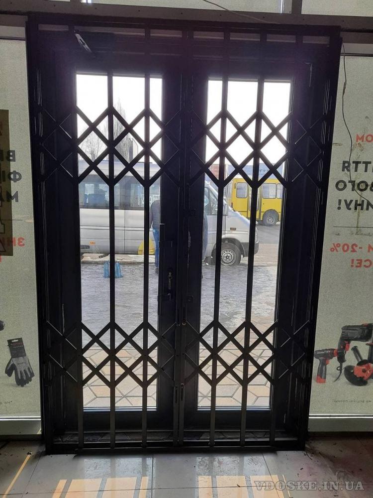 Решетки раздвижные гармошка для дверей,окон,витрин Одесса (5)