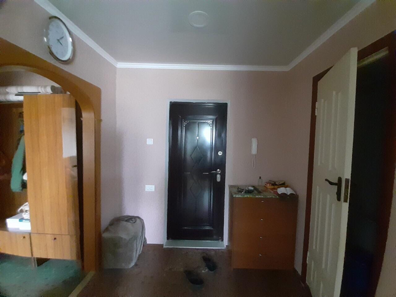 Продам трёхкомнатную квартиру на Песках.