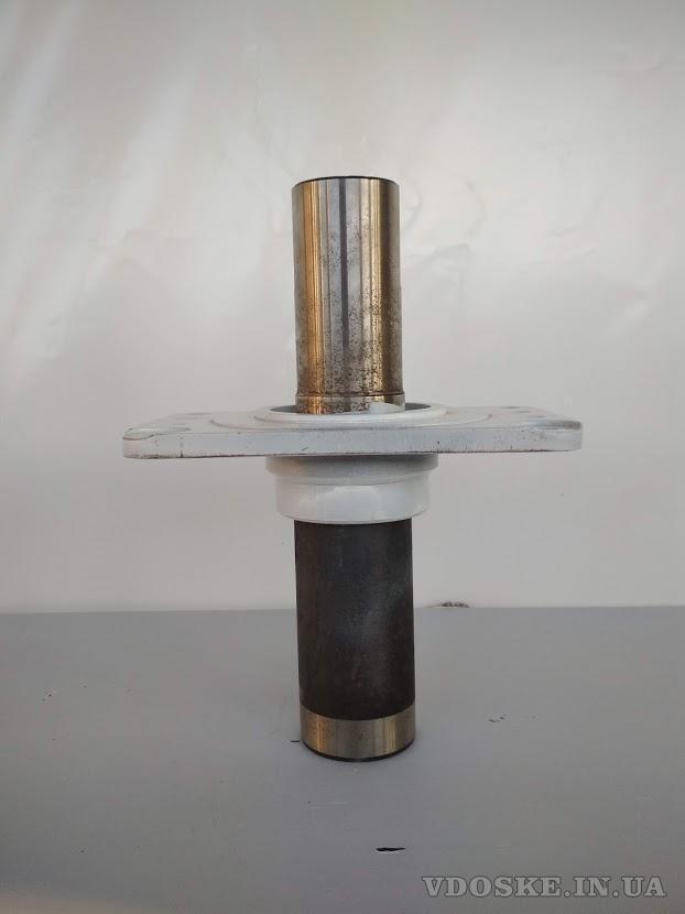 Ось балансира DAF CF85, CF95 1635074