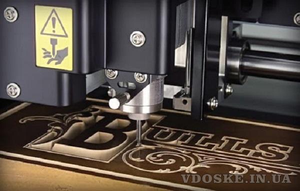 Фрезерная и лазерная порезка листовых материалов, изготовление POS продукции.Гарантия качества.