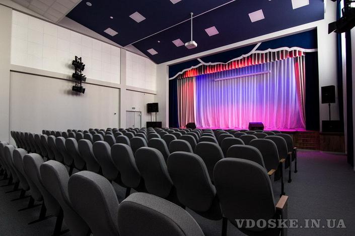 Оборудование театральное для зрительных залов